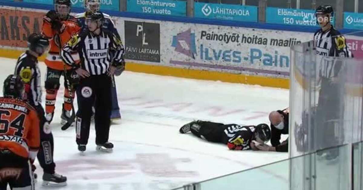 Неудачный рикошет. Хоккеист лишил арбитра семи зубов во время матча