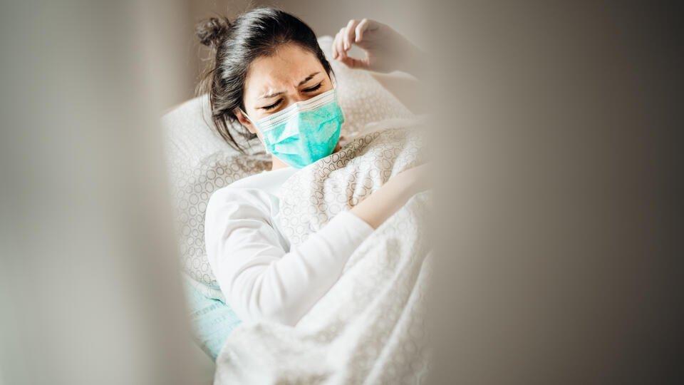 Температуру и кашель назвали самыми частыми симптомами коронавируса