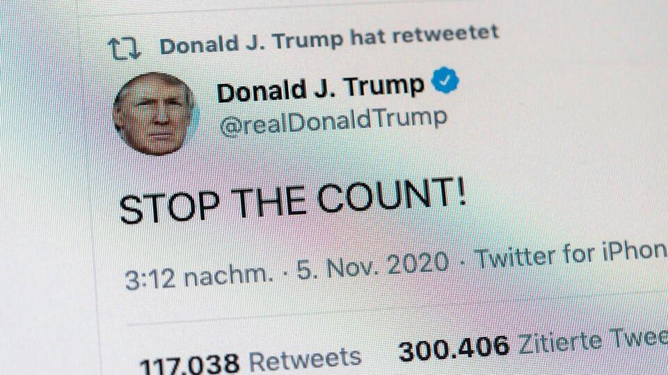 Твиты Трампа выставили на продажу ради поддержки его врагов