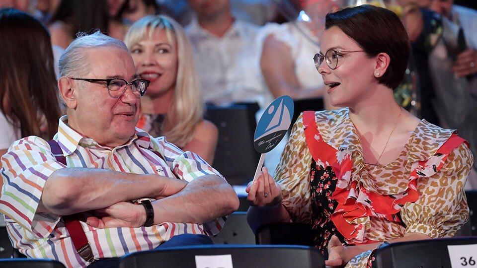 СМИ: У Петросяна и его молодой жены родился ребенок | Шоу-бизнес | РЕН ТВ