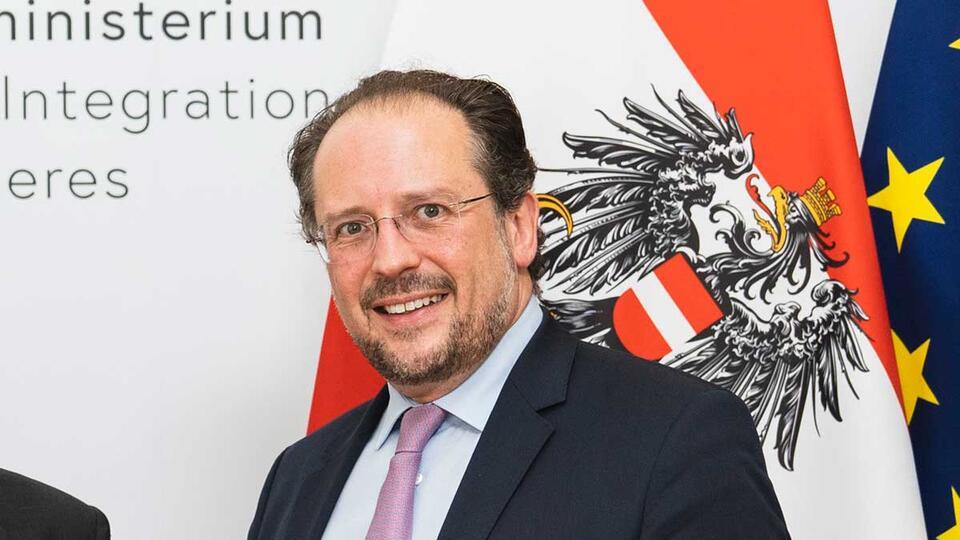 """МИД Австрии призвал ЕС """"не рубить сук"""" в вопросе санкций против Москвы"""