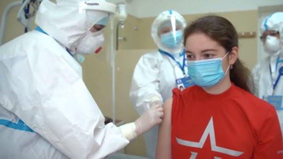 У испытывавших вакцину в РФ добровольцев обнаружили иммунитет к COVID