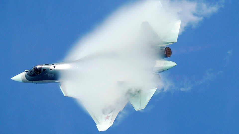 Красивый убийца: Иностранцы оценили Су-57 на параде Победы