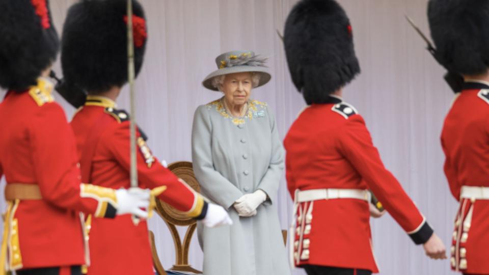 """Биограф назвал Елизавету II """"секретным оружием"""" Лондона"""