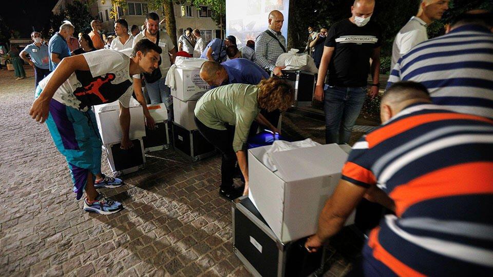 Представитель правящей партии Черногории пыталась уничтожить бюллетени