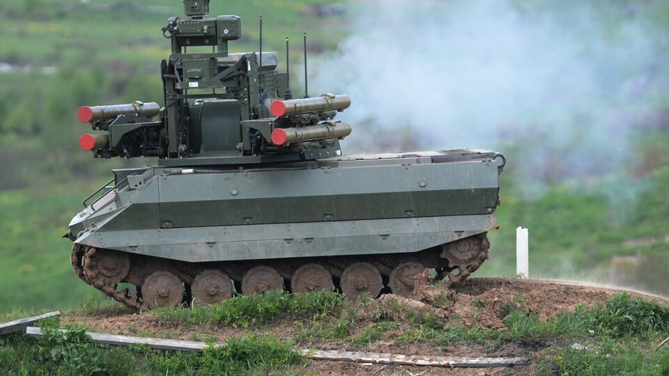 Армия-2033: Путин поручил внедрить боевых роботов и лазерное оружие