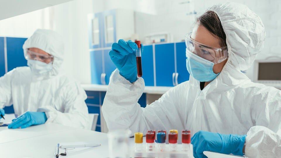 В РФ могут появиться тест-системы, способные определять мутации COVID