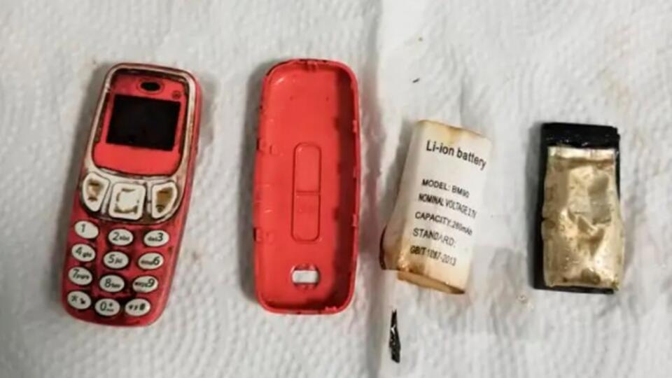 Врачи извлекли из желудка мужчины проглоченный им телефон Nokia