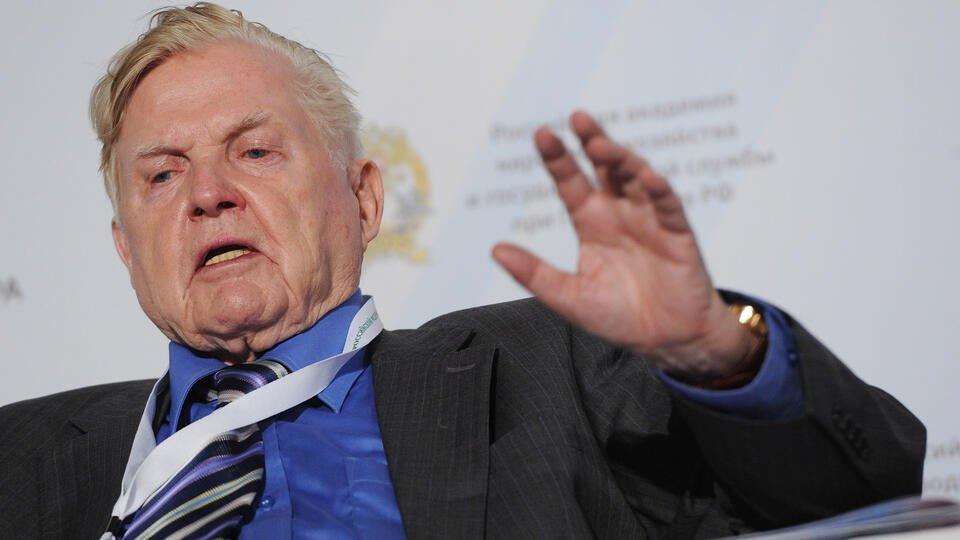 Скончался отец евро, нобелевский лауреат Роберт Манделл