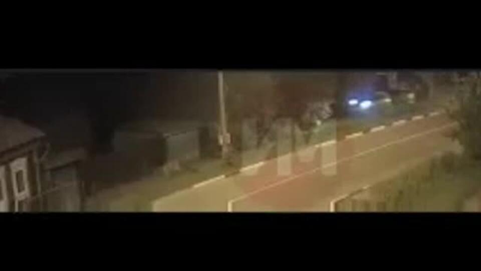 Видео: водитель на огромной скорости вылетел на тротуар и убил девушку