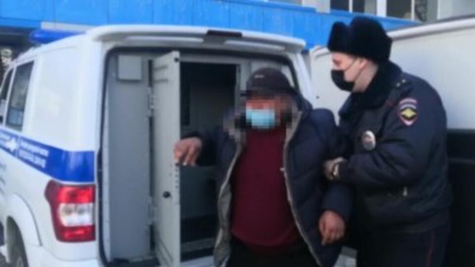 Пьяный авиадебошир курил в туалете самолета в Хабаровске