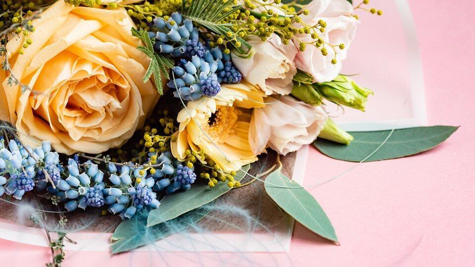 Цены на цветы достигли заоблачного уровня накануне 8 марта