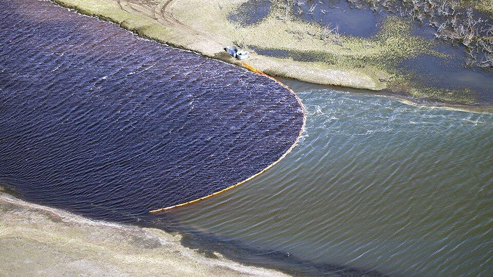 Разлив топлива под Норильском будут ликвидировать еще три месяца