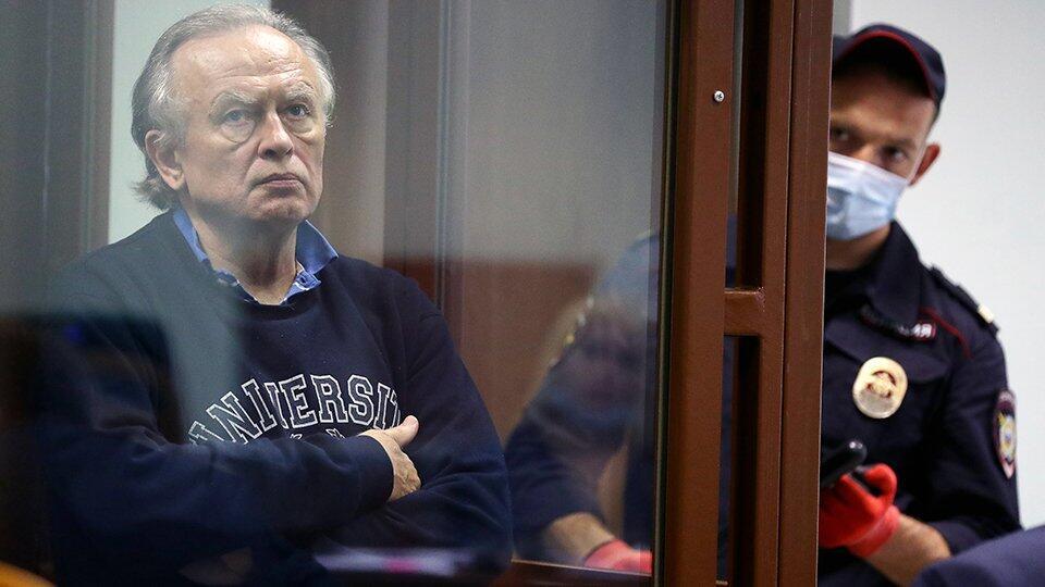 Историк Соколов устроил в суде истерику и попросил таблетки