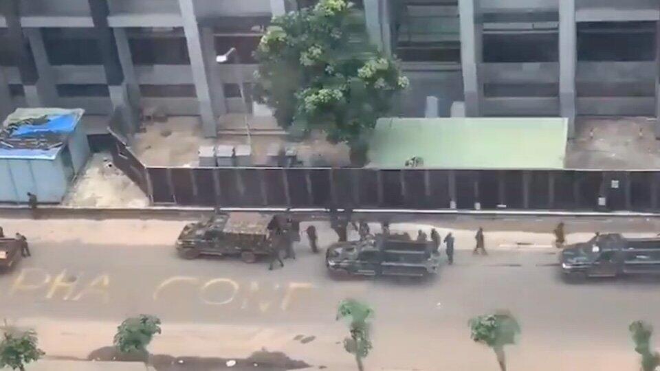 Свергнутым в Гвинее министрам закрыли выезд за границу