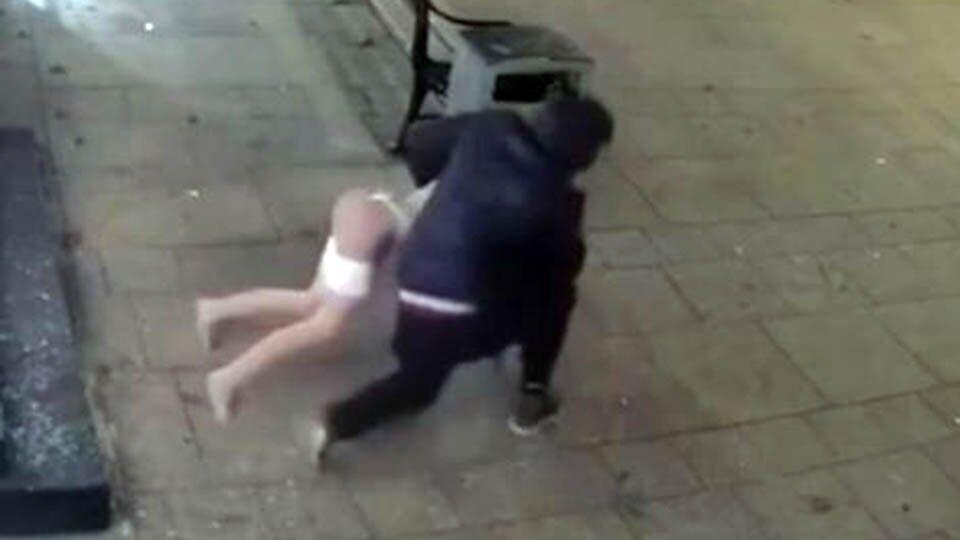 Вор ворвался в секс-шоп в Ставрополе и украл силиконовую куклу