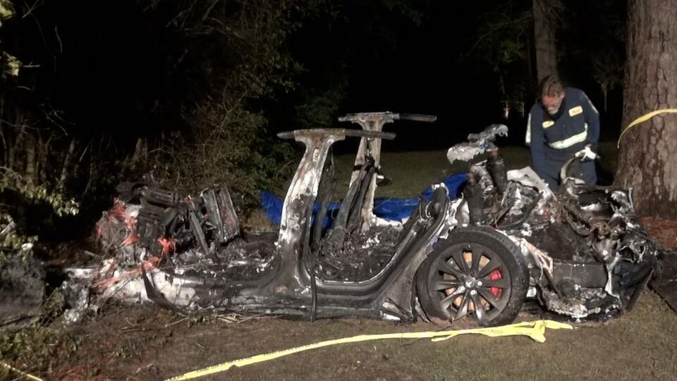 Илон Маск прокомментировал гибель людей на беспилотной Tesla