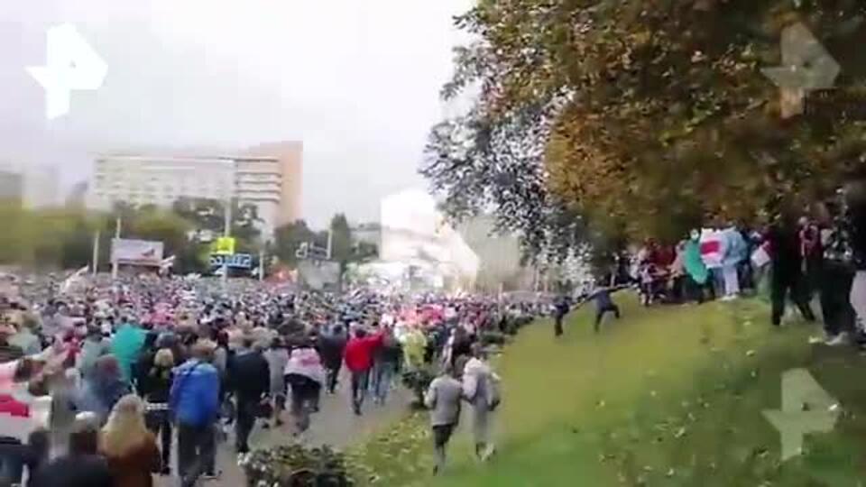 Число участников акции протеста в Минске превысило 100 тысяч