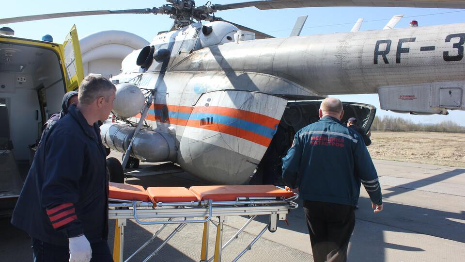 Троих пострадавших в смертельном ДТП вертолетом доставили в Хабаровск