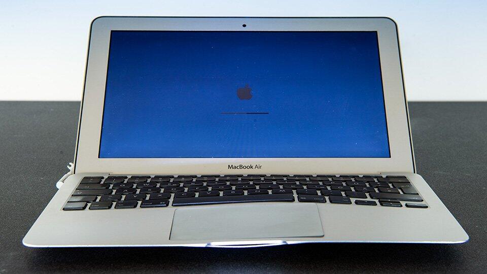 Миллиардер купил по объявлению MacBook за 69 тысяч, но его обманули