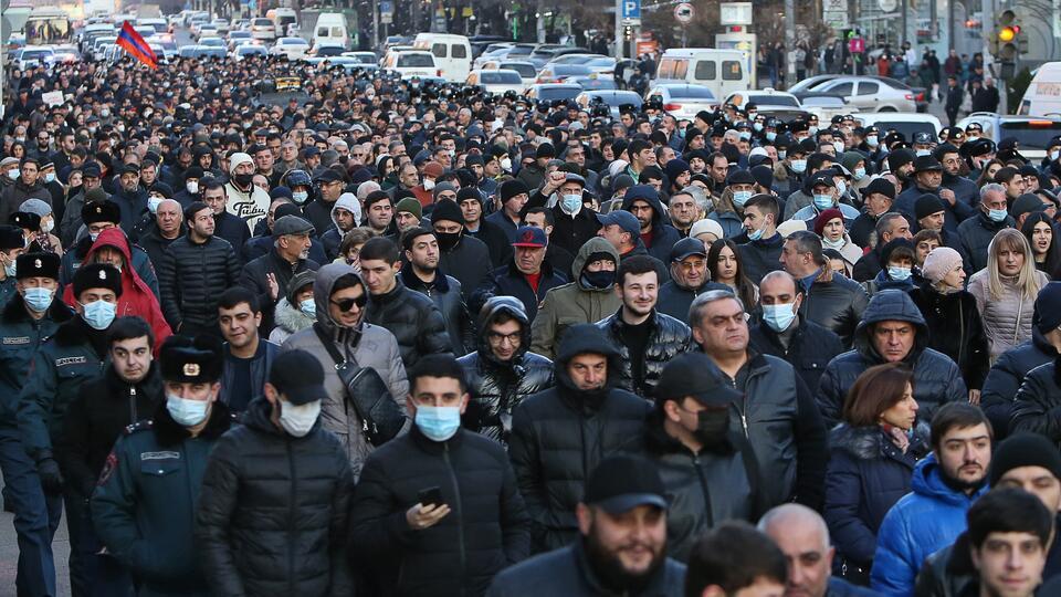 К новой волне протестов в Армении привела всего одна фраза Пашиняна
