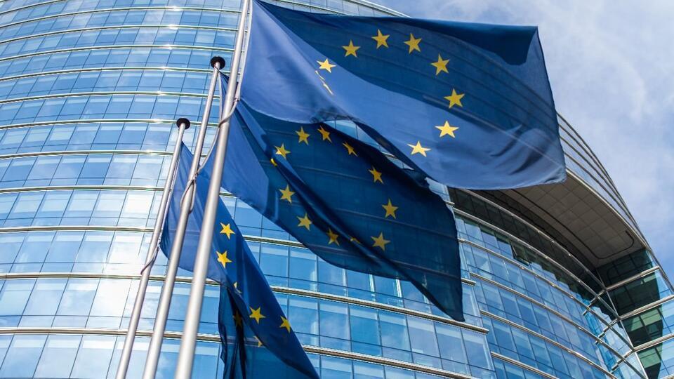 Еврокомиссия заявила о распространении Россией теорий заговора