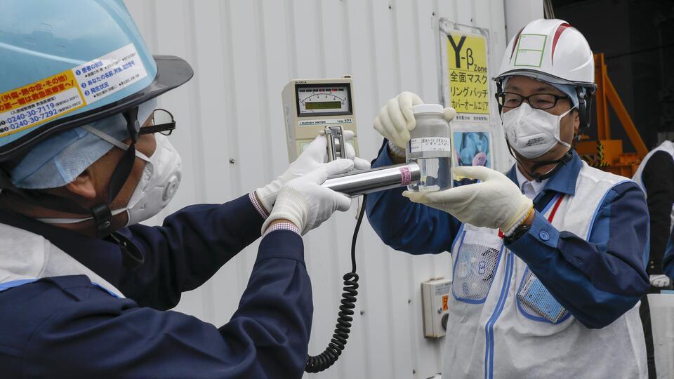 """Эколог рассказал о последствиях слива воды с """"Фукусимы-1"""" в океан"""