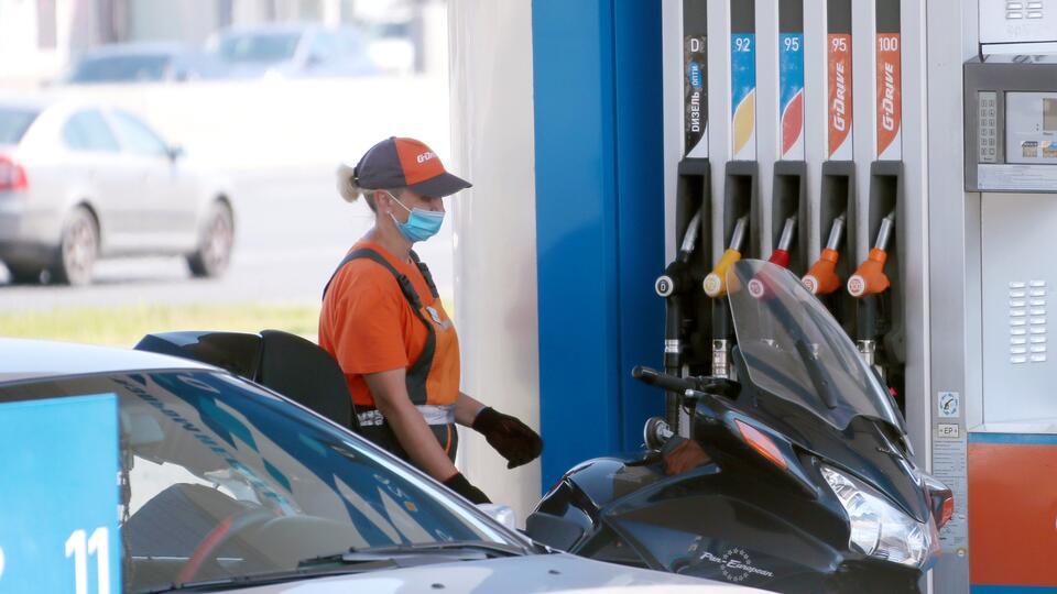 """Антикрылья и присадки: эксперт назвал """"вредные"""" идеи экономии топлива"""