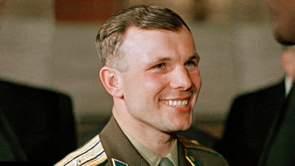 Роскосмос выпустит лифты, говорящие голосом Гагарина