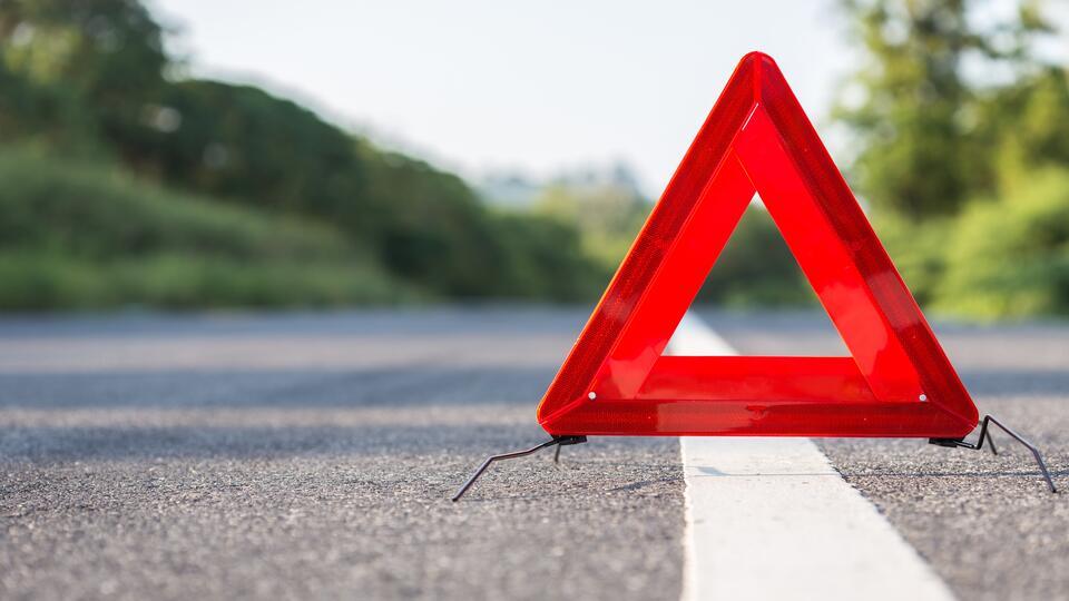 Два человека пострадали в ДТП с такси в Петербурге