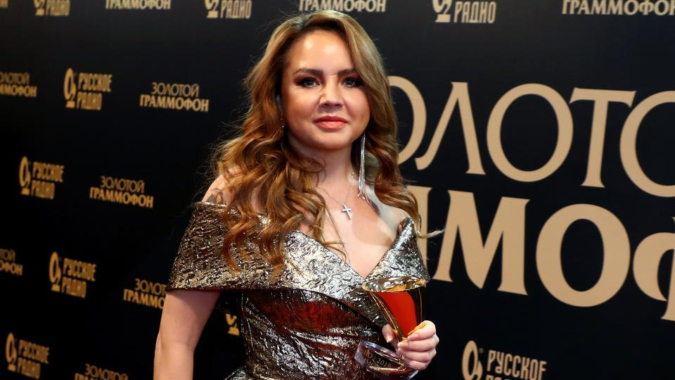 "ФК ""Спартак"" заявил о готовности помочь певице МакSим"