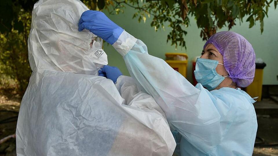 Бессимтомныеносители COVID-19 не позволяют остановить пандемию