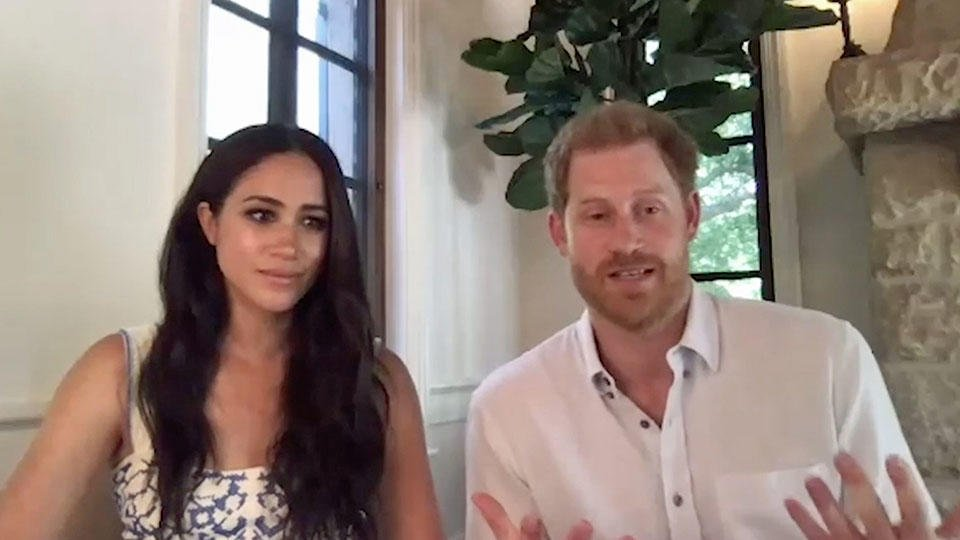 Елизавета II не одобрила сделку принца Гарри и Меган Маркл с Netflix