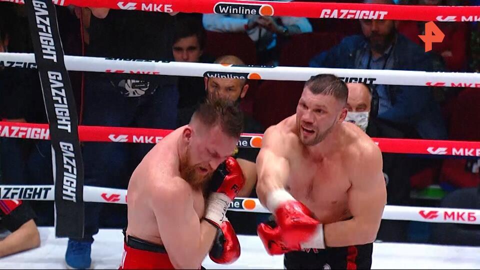 У Романова заподозрили травму руки после победы над Кудряшовым