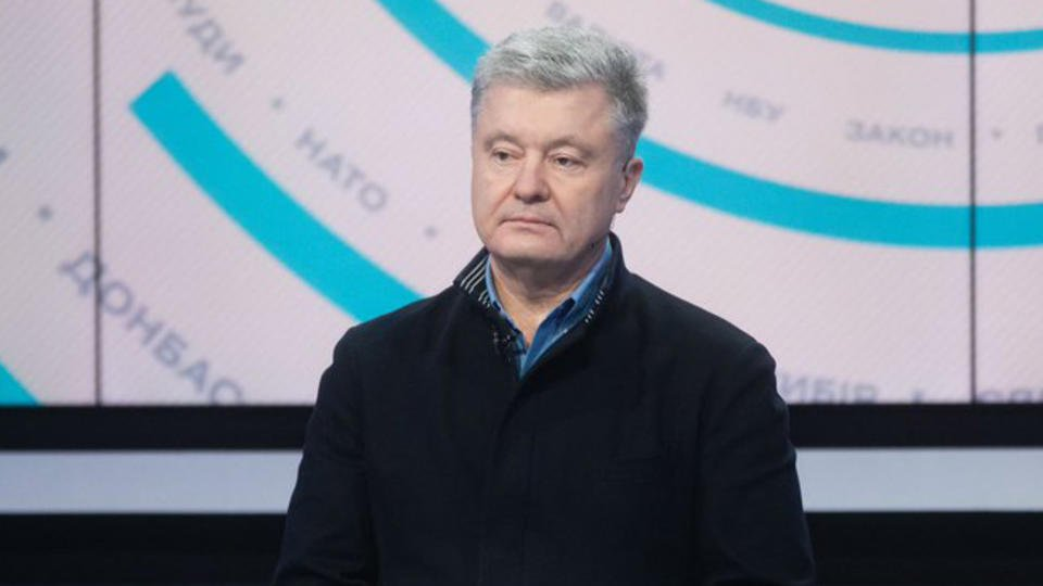 Порошенко заявил о связи патриотизма Зеленского и российских денег