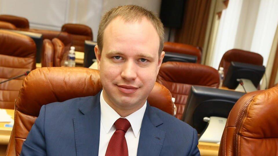 Раскрыта схема мошенничества с лифтами, в котором замешан сын Левченко