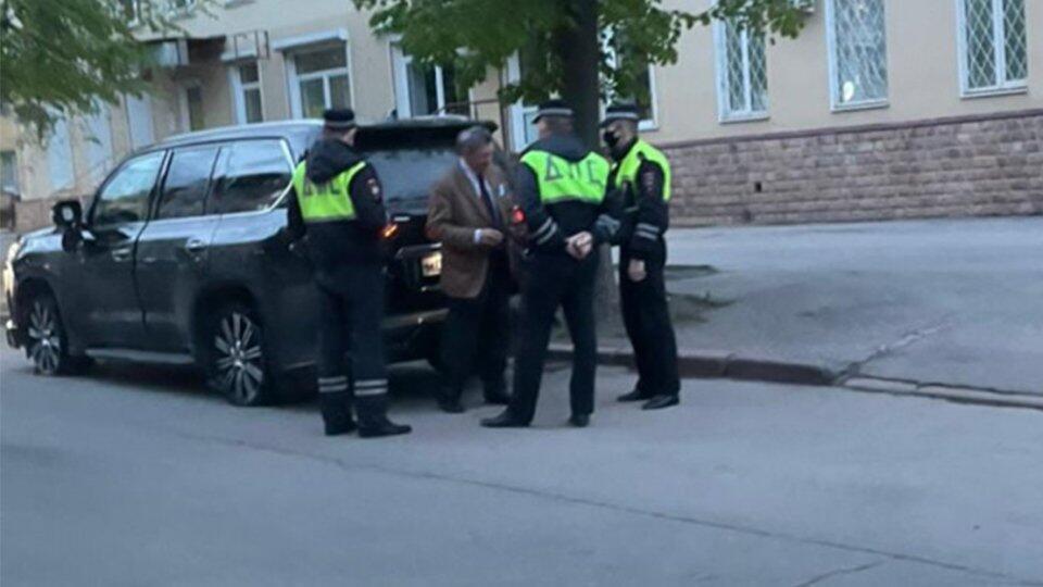 """СМИ сообщили о выезде на """"встречку"""" автомобиля экс-губернатора"""
