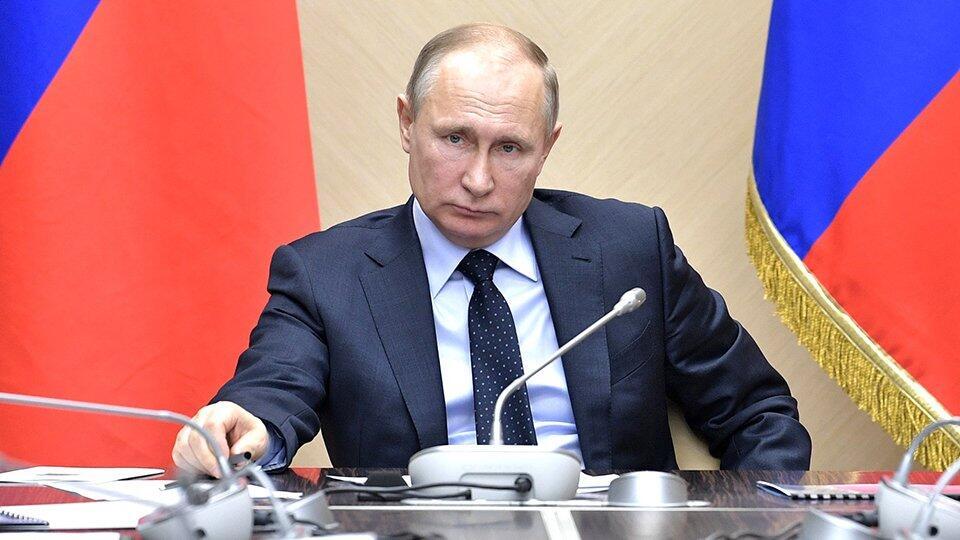 Путин счел недостаточными усилия Сипягина в борьбе с коронавирусом