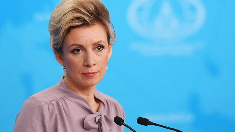 Захарова назвала статью польского премьер-министра самоубийством