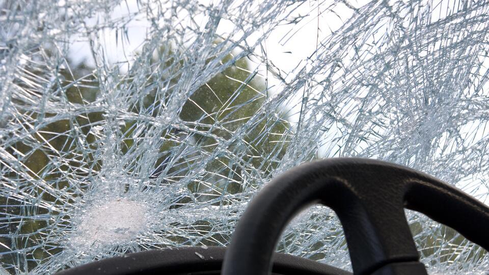 Массовое ДТП с шестью авто произошло в Новосибирске, пострадал человек