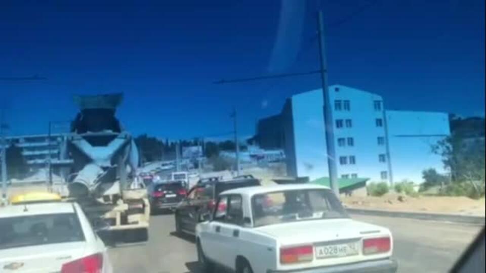 Видео с места ДТП с автобусом в Севастополе, где пострадали 14 человек