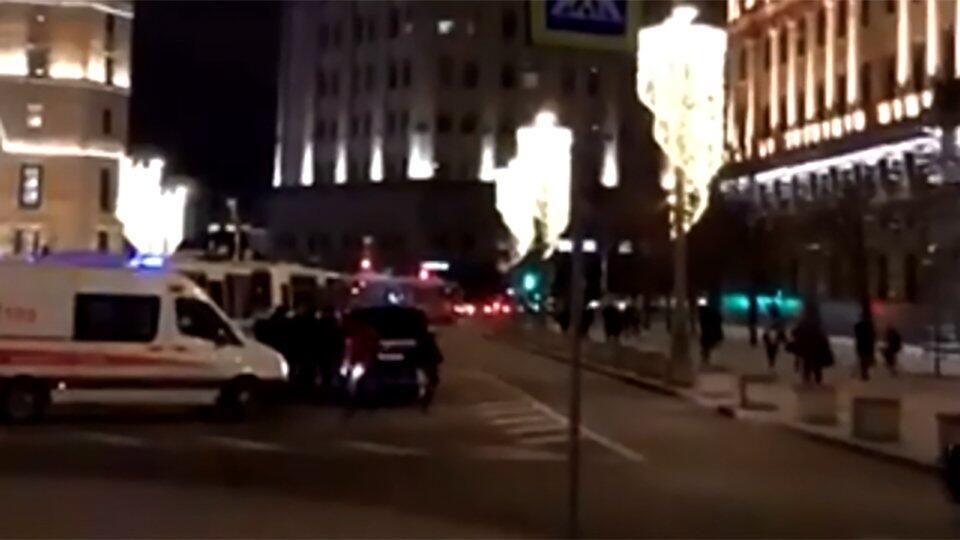 Движение перекрыли на Лубянке после стрельбы в приемной ФСБ