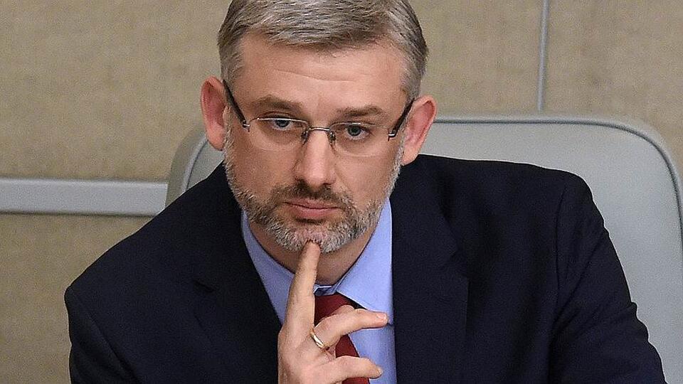 Дитрих заявил, что полеты из России могут разрешить в июле