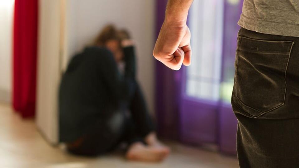 Случаи семейного насилия участились во время карантина из-за COVID-19