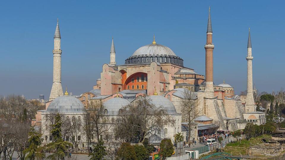 Стала известна судьба икон в ставшем мечетью соборе Святой Софии