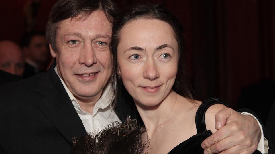 """Для жены Ефремова его отправка в колонию стала """"жутким сюрпризом"""""""