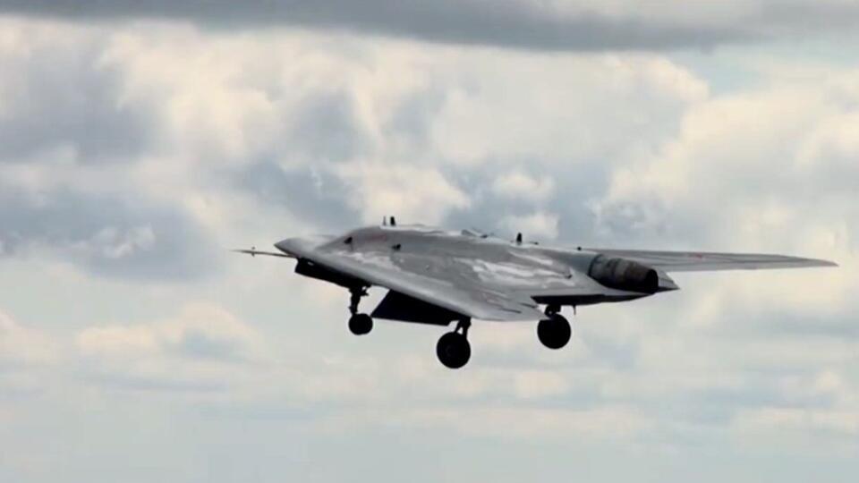 """Заставит НАТО """"попотеть"""": в США оценили российский дрон """"Охотник"""""""