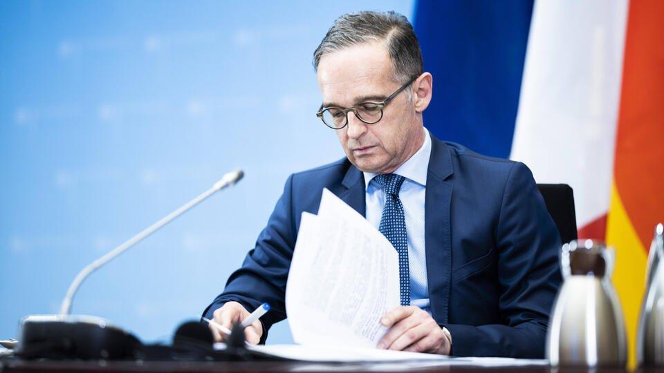 Глава МИД ФРГ высказался противпередачи оружия Украине