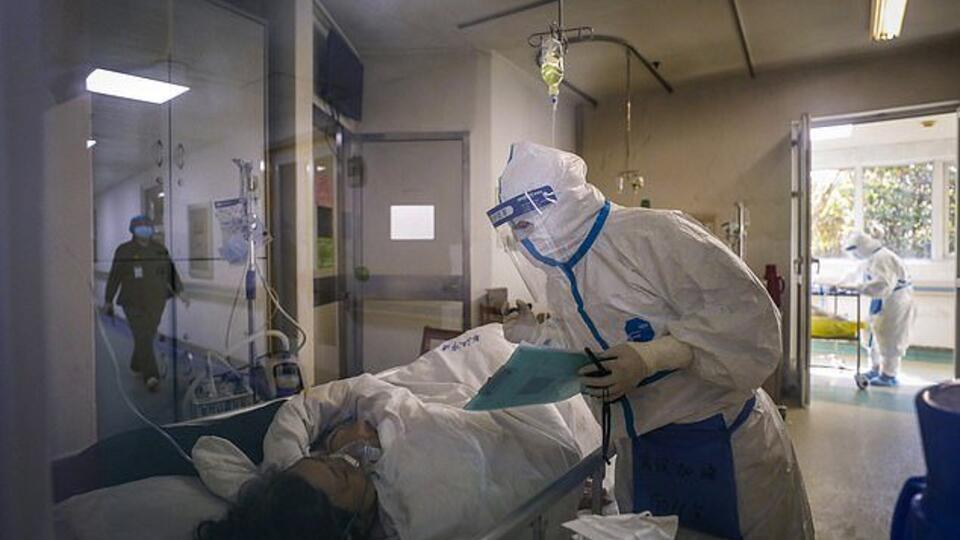 ТЦ в Мадриде используют в качестве морга для тел умерших от COVID-2019
