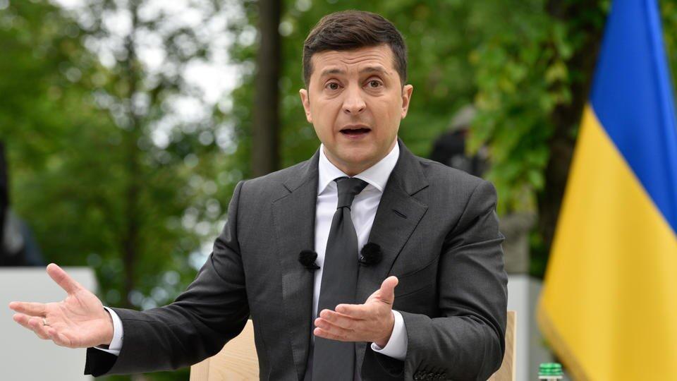 """Угрожает ЕС: Зеленский пожаловался Германии на """"Северный поток-2"""""""